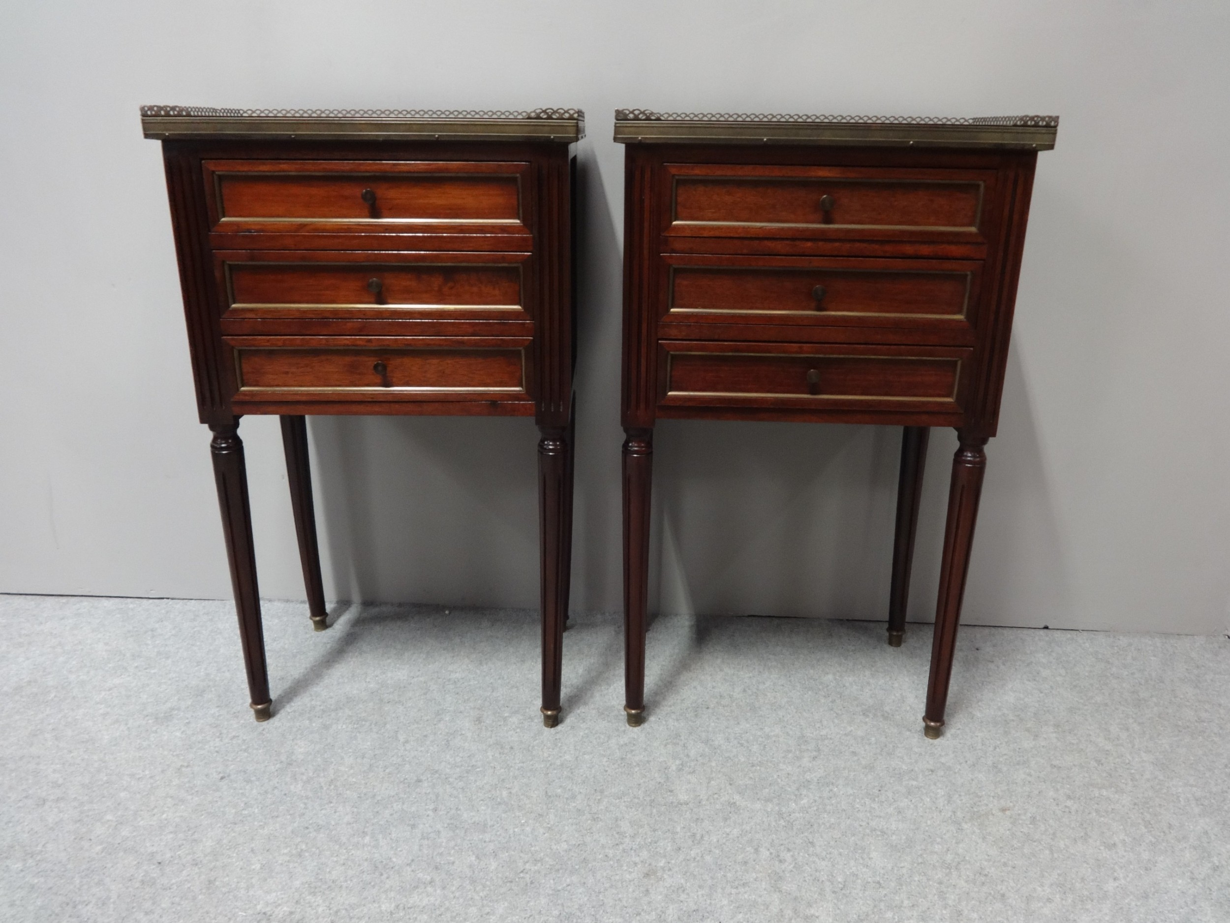 excellent pair french empire mahogany bedside lamp chests