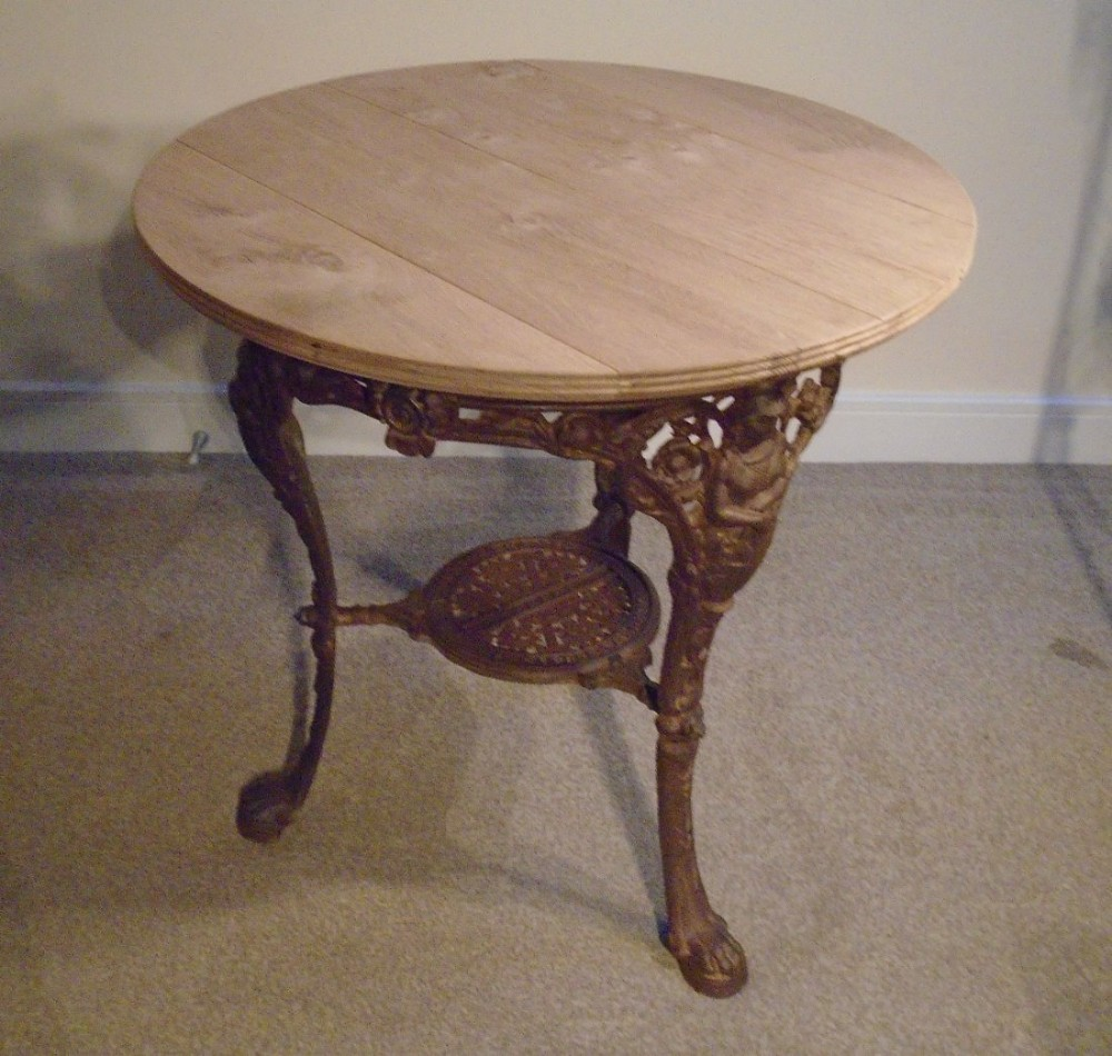 Outdoor Victorian Table: Victorian Cast Round Iron Tavern Or Garden Table