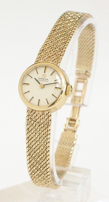 Exquisite Solid 9ct Gold Ladies Omega Ladymatic Cocktail Watch
