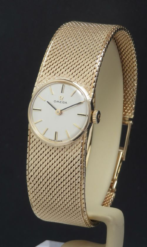 beautiful solid 9ct gold omega ladies watch c1966