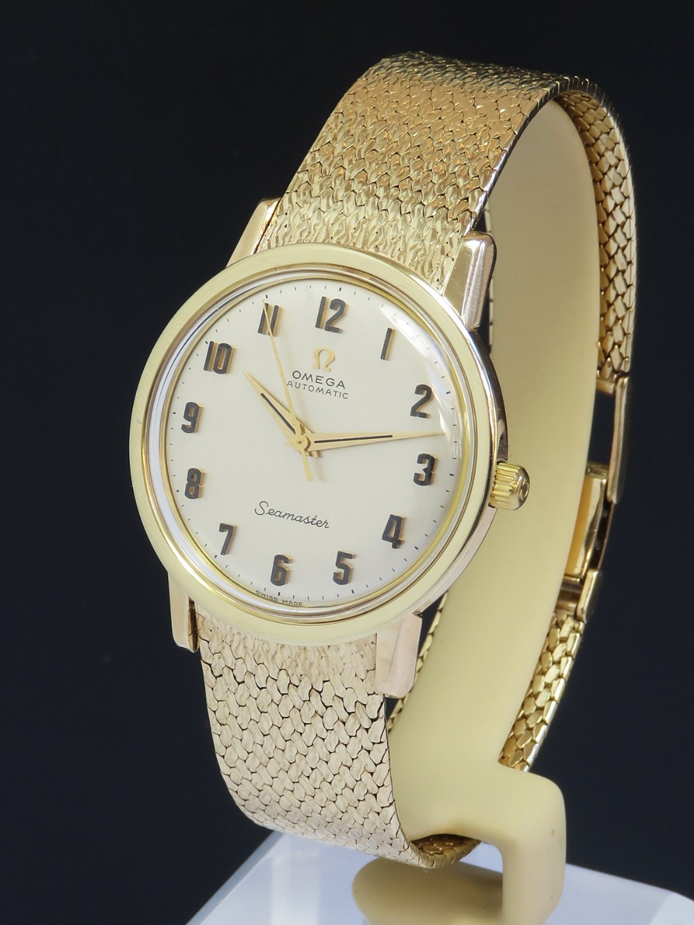solid 9ct gold omega seamaster automatic with box c1966