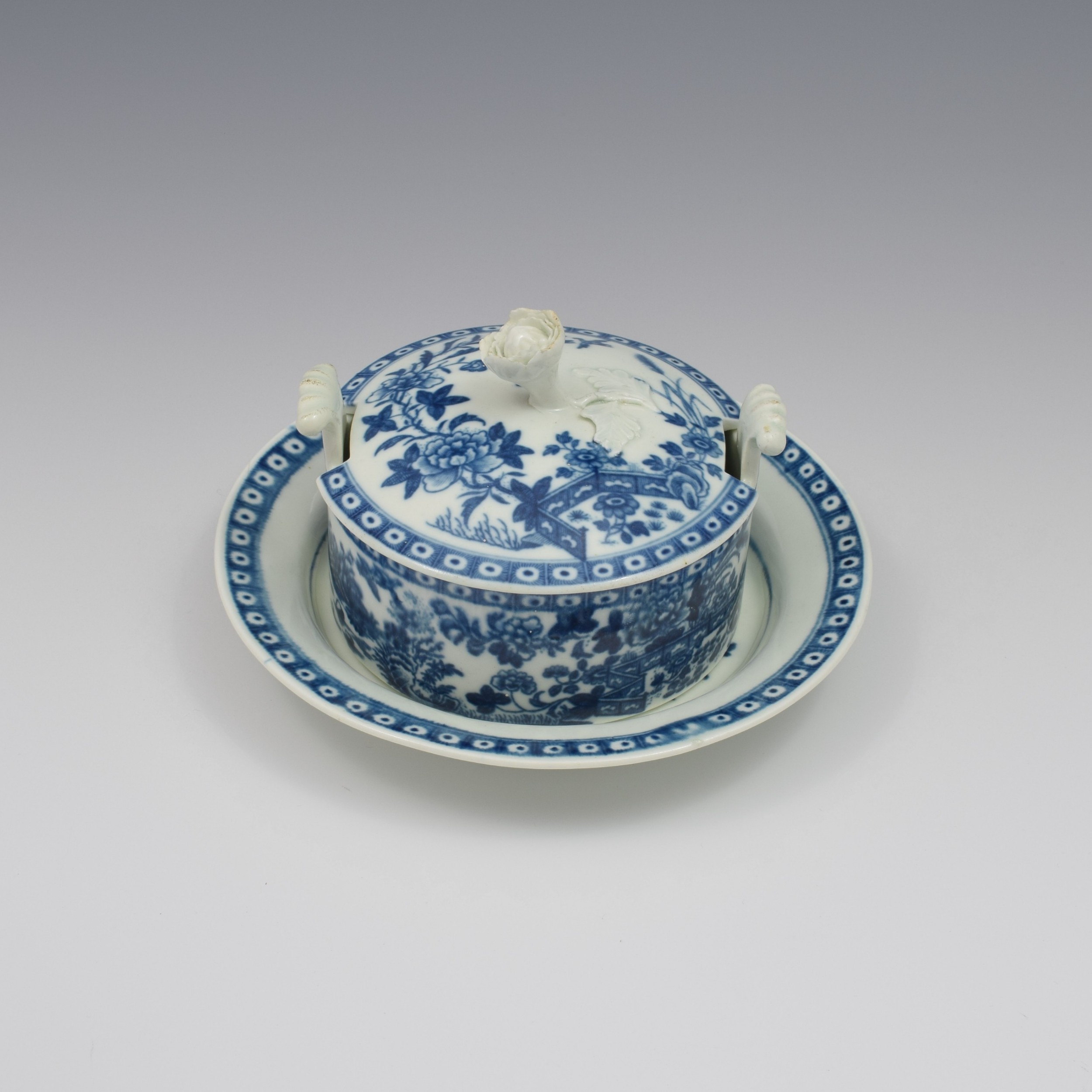 first period worcester porcelain butter tub stand fence pattern c1770