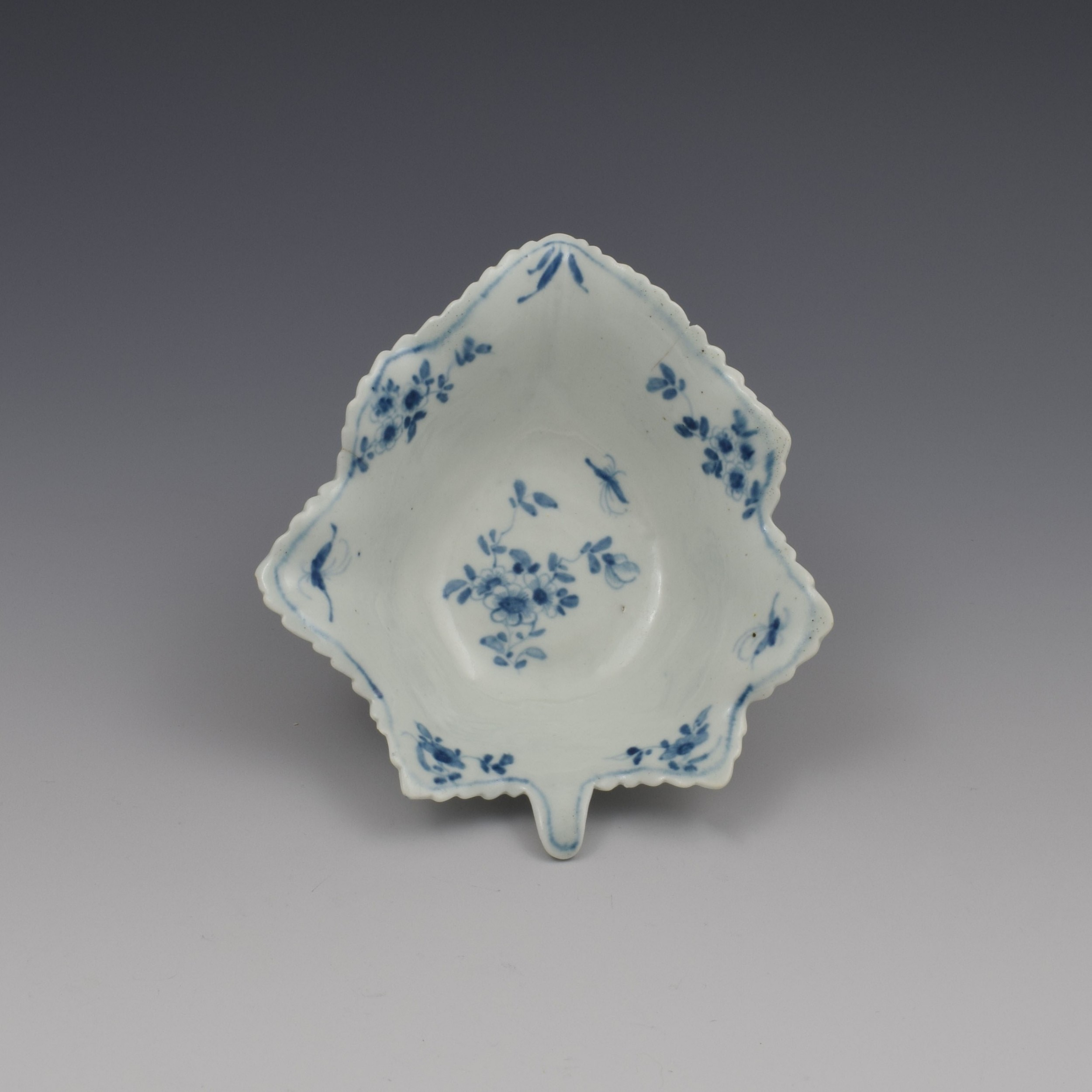 large first period worcester porcelain pickle leaf daisy dish c175865