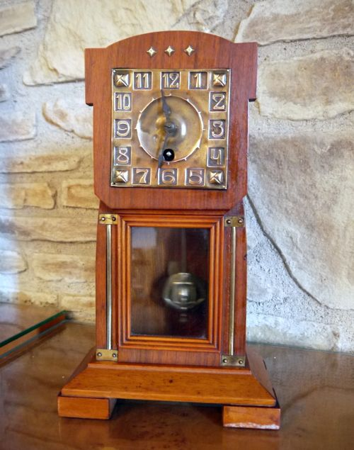 Arts and crafts mantle clock by jungans c1910 459412 for Arts and crafts mantle clock