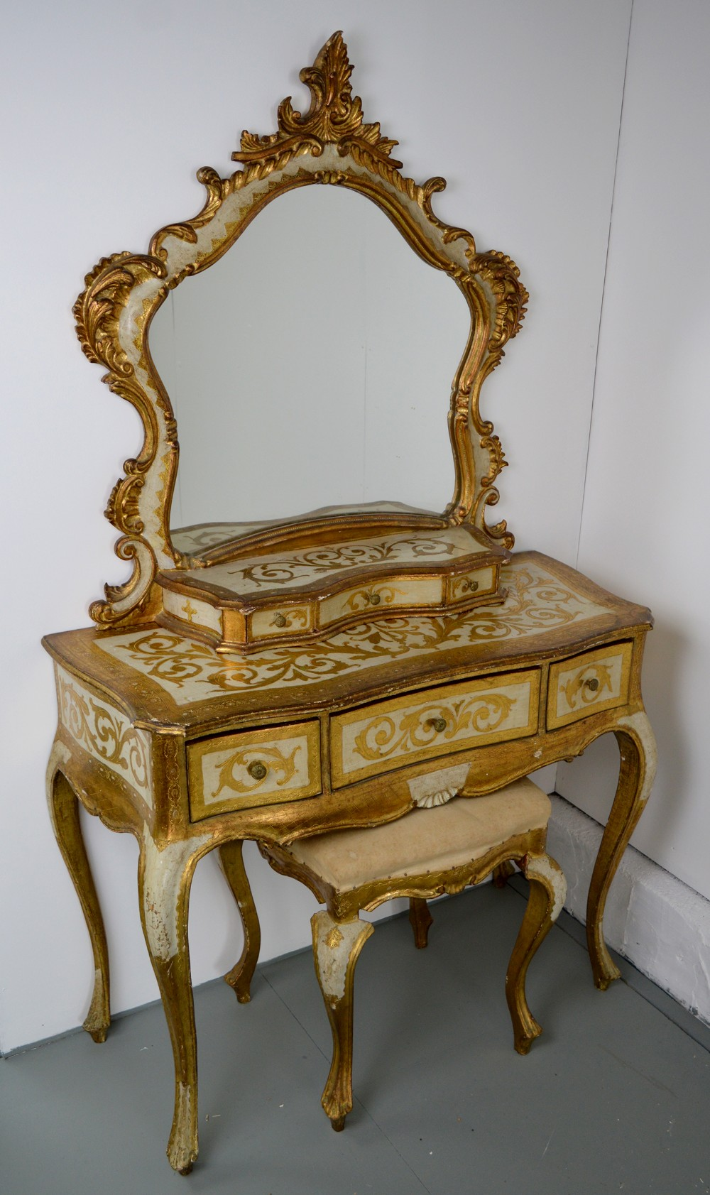early 20thc venetian gilt painted dressing table stool