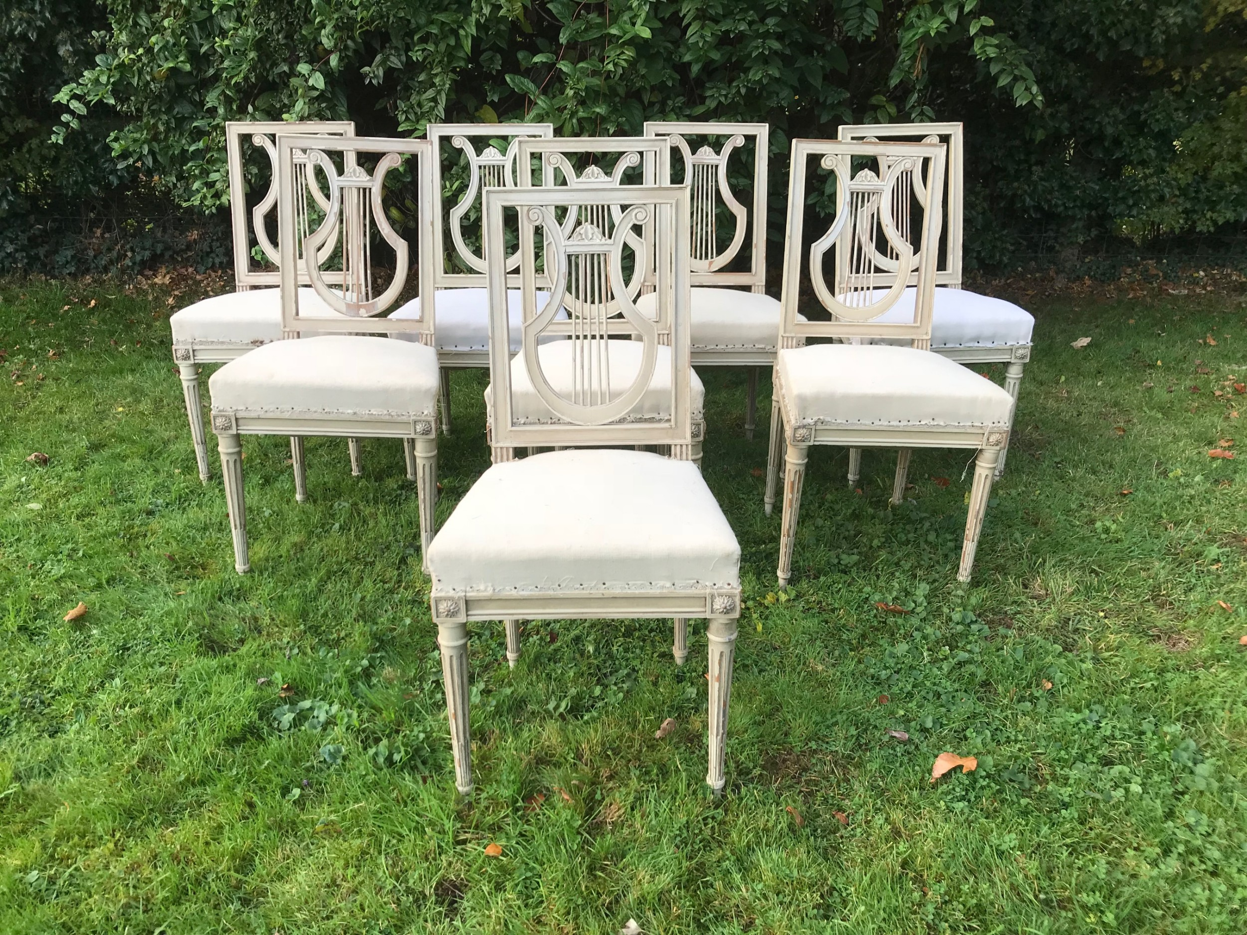 set of 8 french lyre back chairs