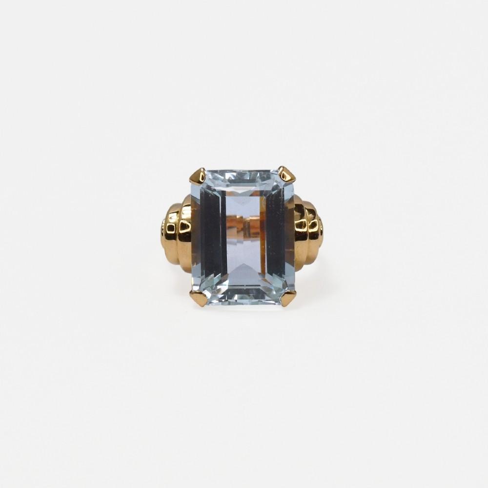 vintage 18 carat rose gold aquamarine ring