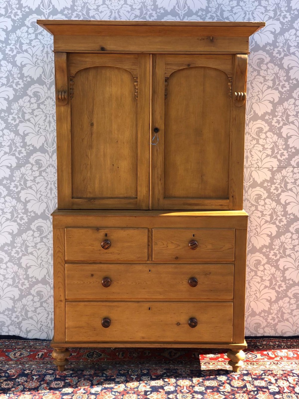 outstanding quality victorian pine linen press stripped and waxed superb very clean