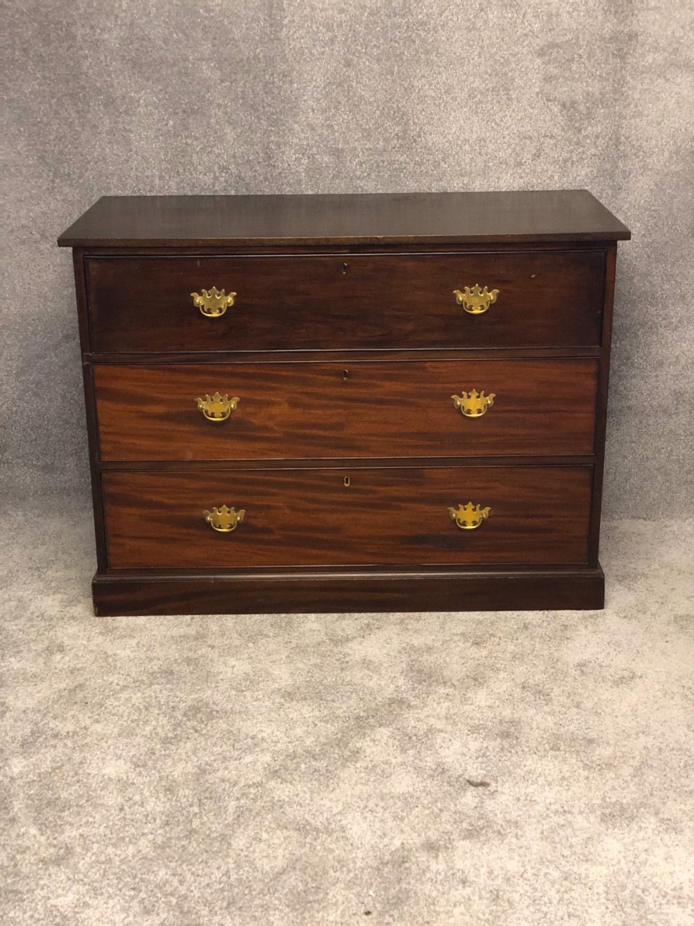 super original georgian 3 drawer chest of drawers all original and in good condition