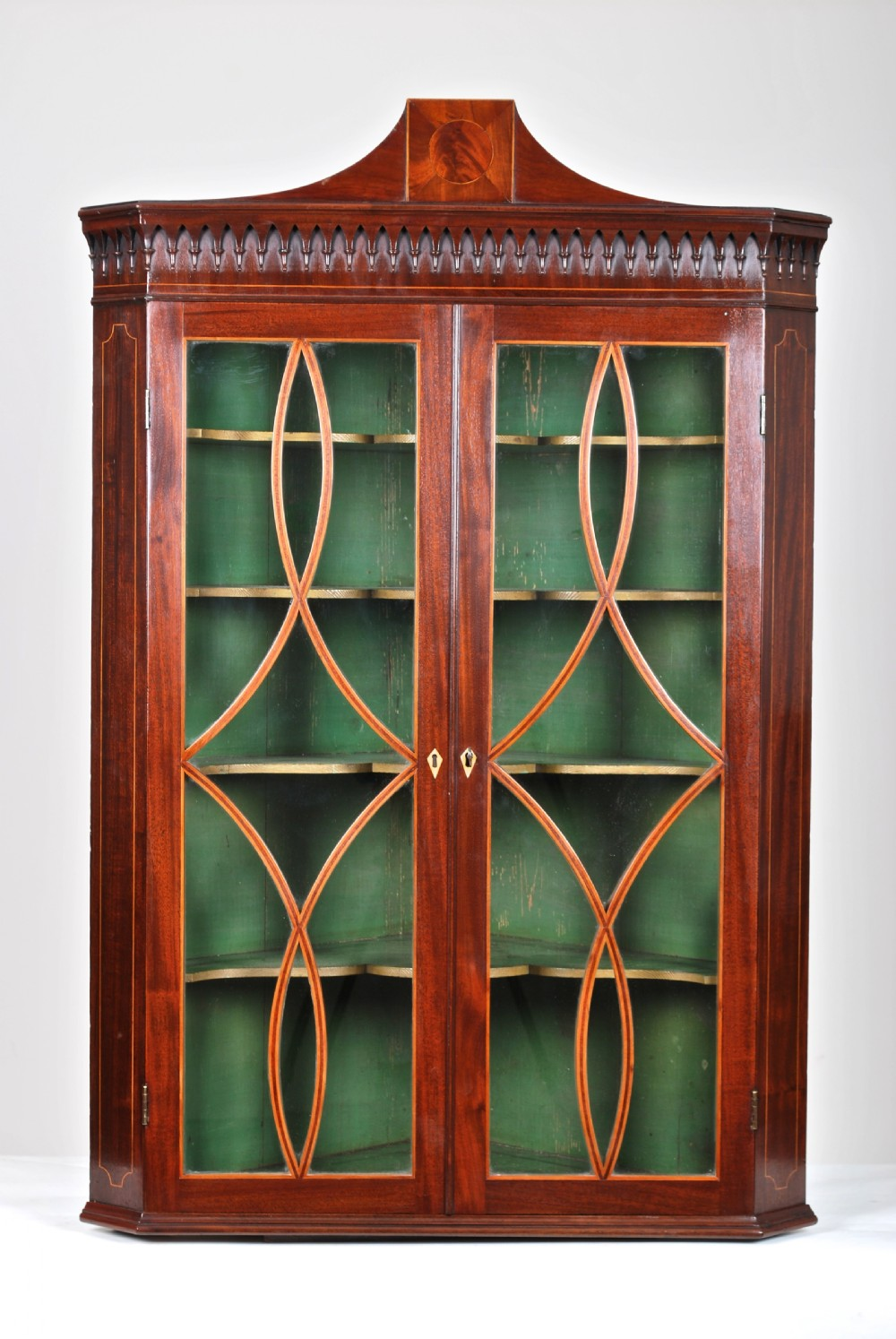 corner cupboardc1795
