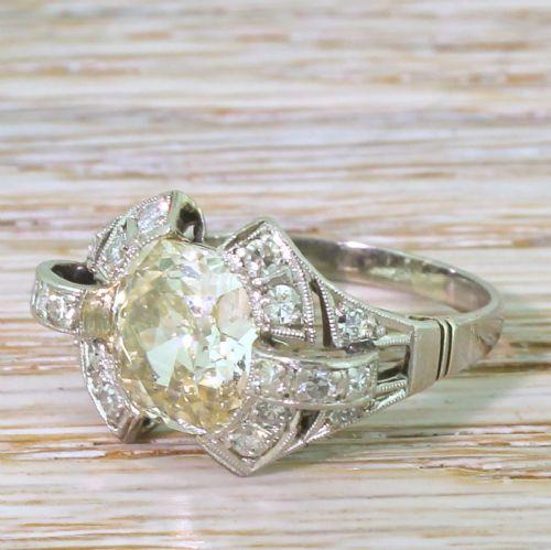 retro 283 carat old cushion cut diamond solitaire ring 1950