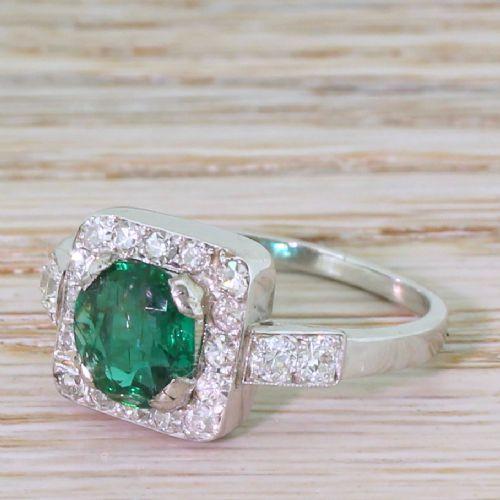 art deco 108 carat emerald 042 carat diamond cluster ring circa 1930