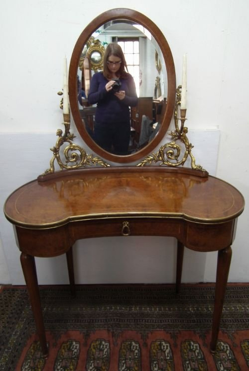 French Louis Xv Style Kidney Shaped Walnut Dressing Table