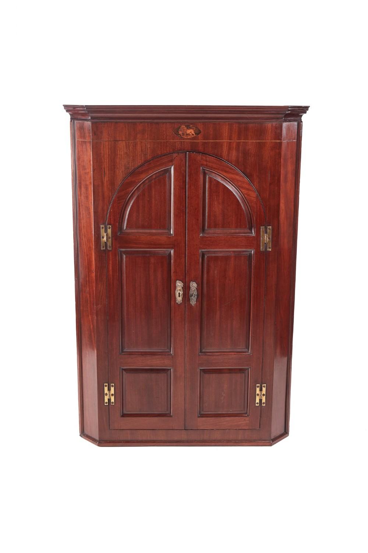 fine quality george iii mahogany hanging corner cabinet