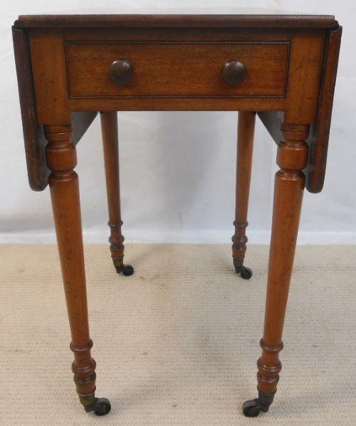 Perfect Regency Mahogany Small Dropleaf Pembroke Table