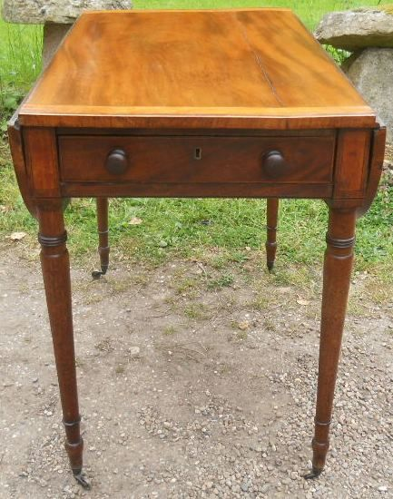 georgian crossbanded mahogany dropleaf pembroke table