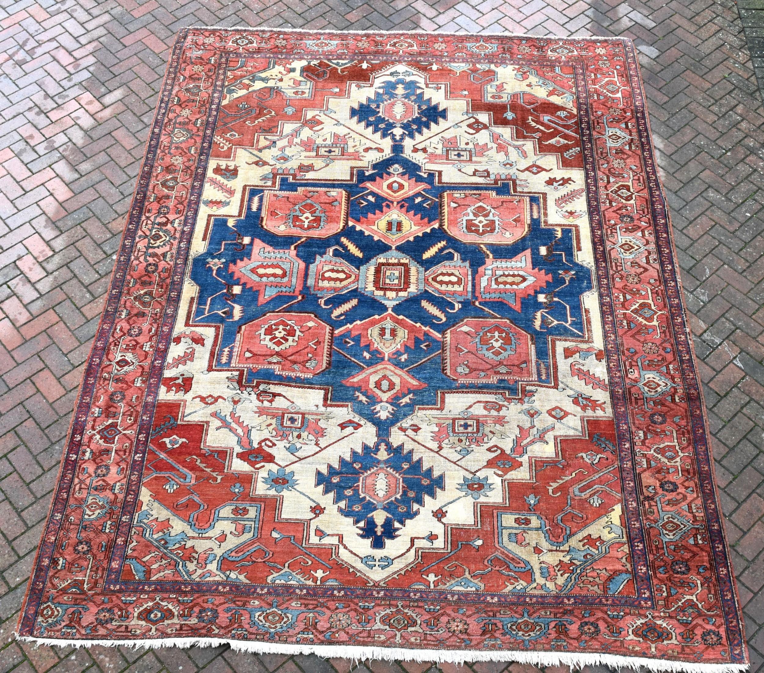 fine antique serapi carpet 388x297 cm