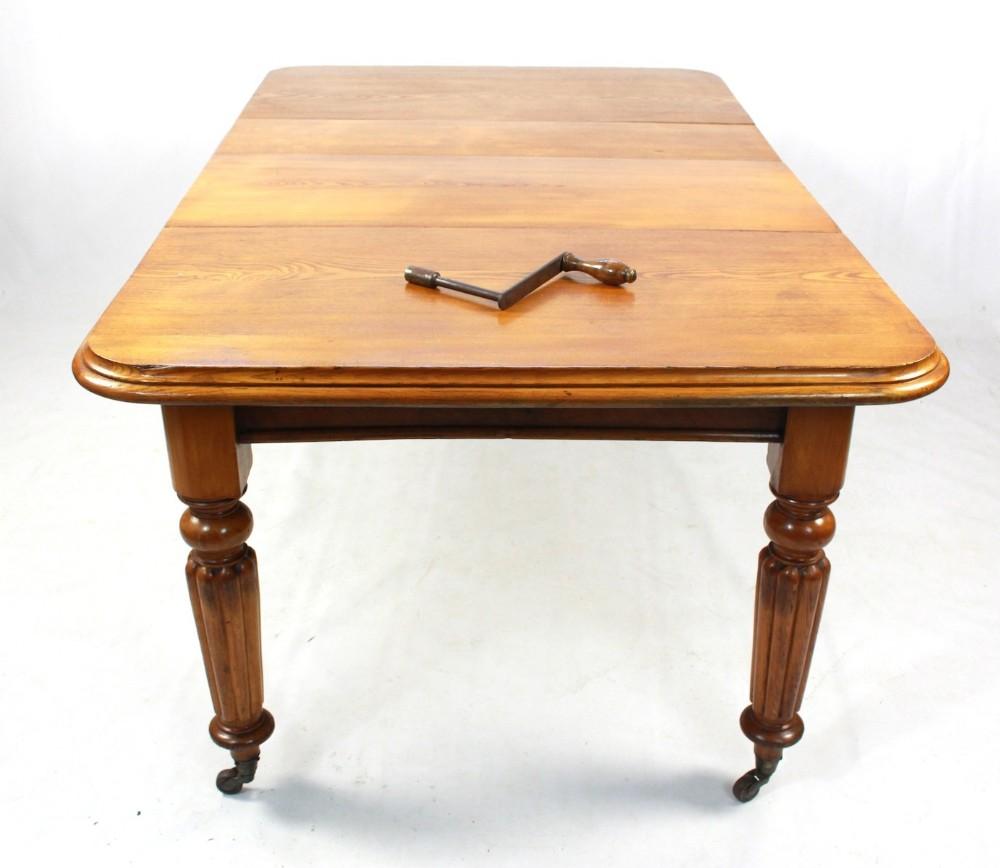 Light oak extending dining table antique light oak for Light oak dining tables