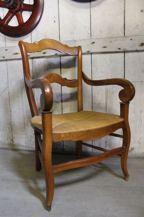 Dated 1900 - Antique Ladderback Chairs - The UK's Largest Antiques Website