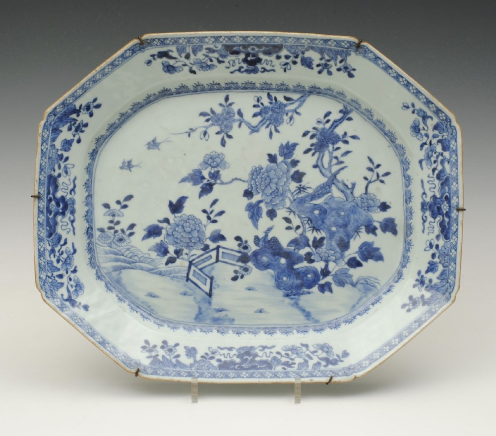 chinese blue and white meat plate