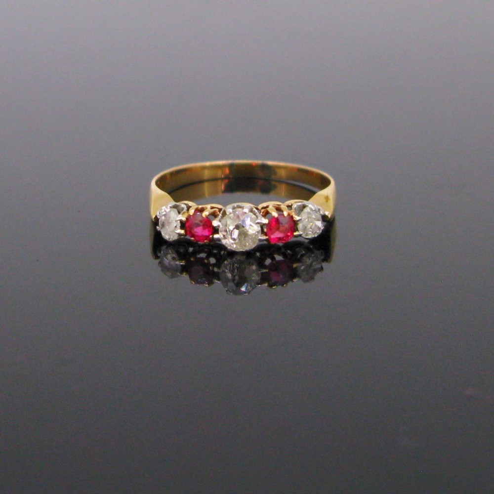 antique victorian five stones garnets and diamonds ring 18kt yellow gold circa 1880