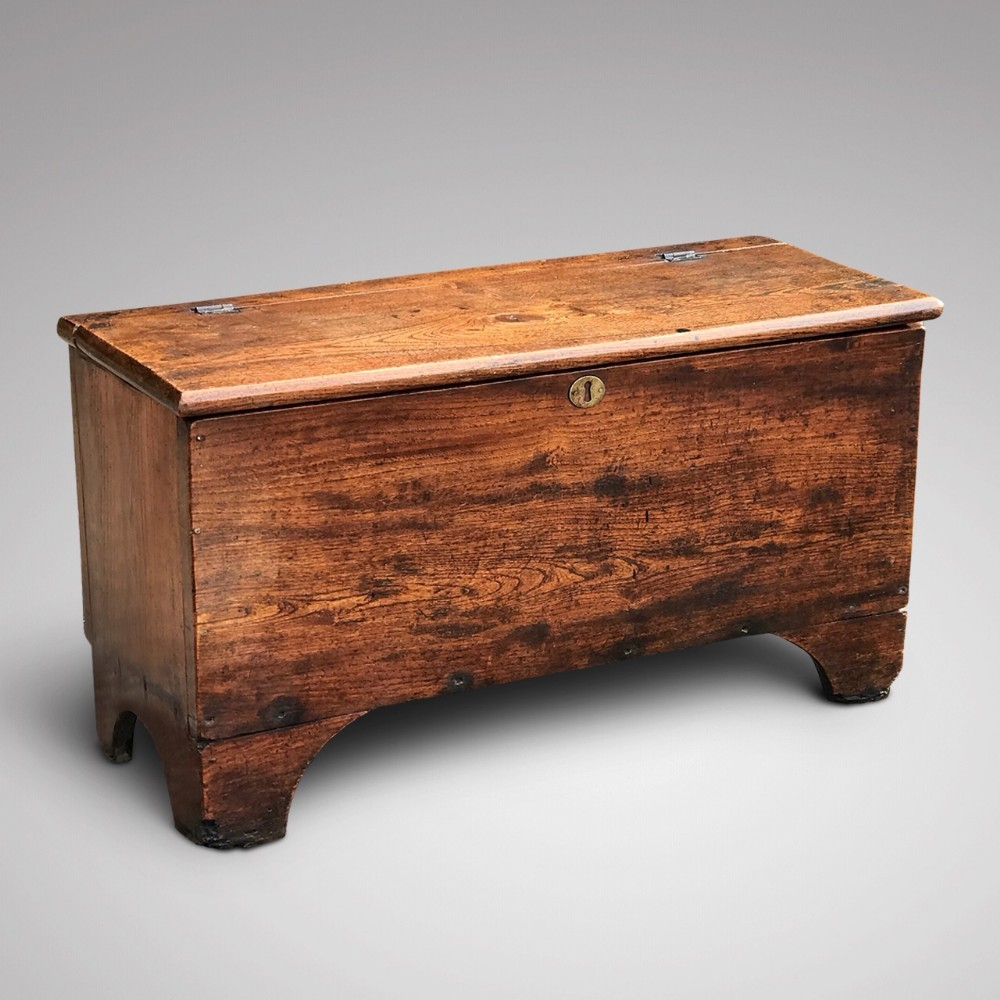 small georgian elm coffer