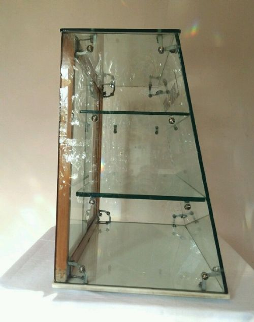 Lyons Cakes Glass Counter Top Display Cabinet 430594