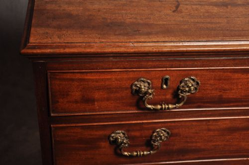FINE 18TH CENTURY MAHOGANY CHEST OF DRAWERS is a good old chairs, antique tables and chairs for sale