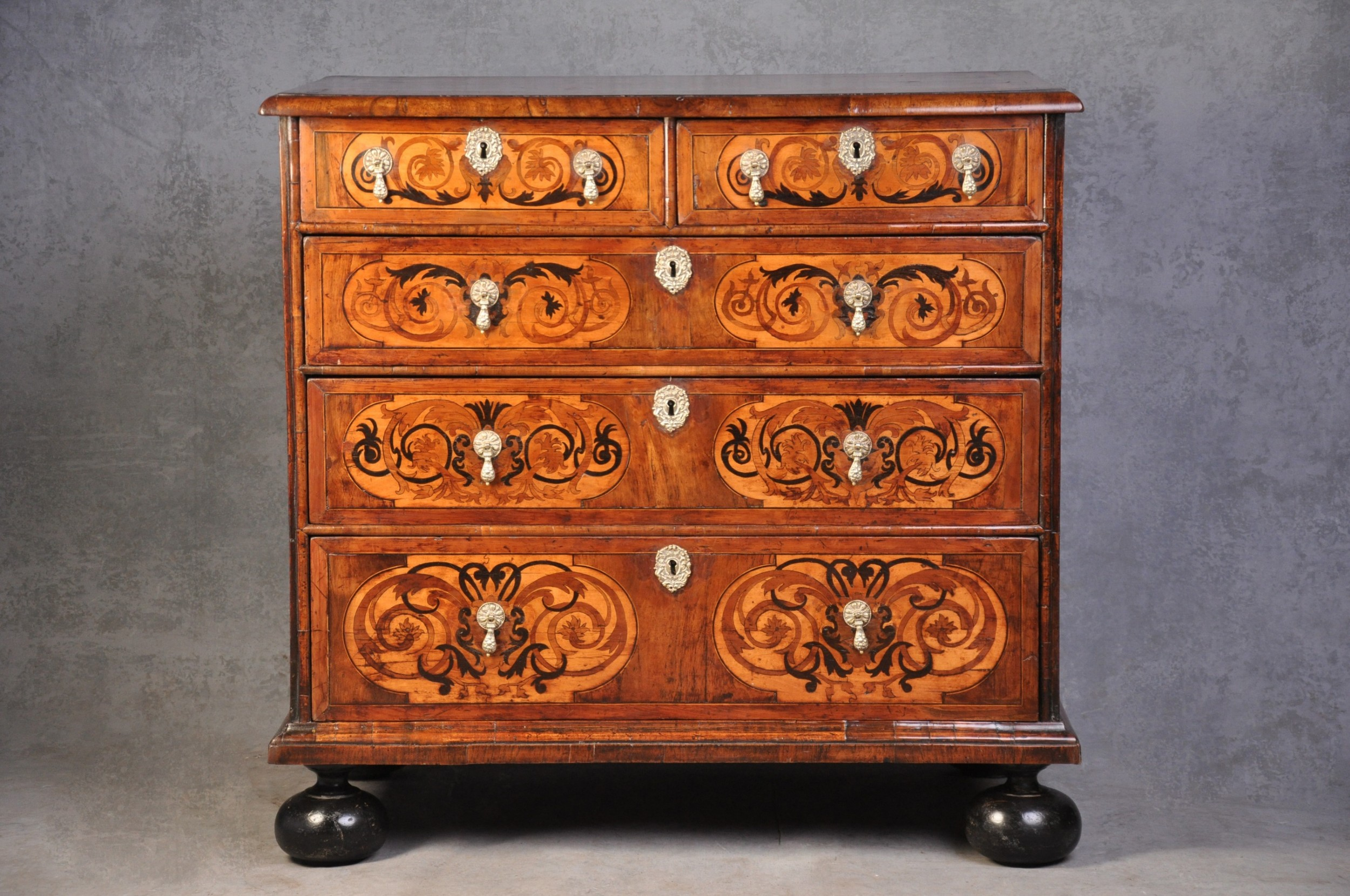 17th century english walnut and marquetry chest of drawers