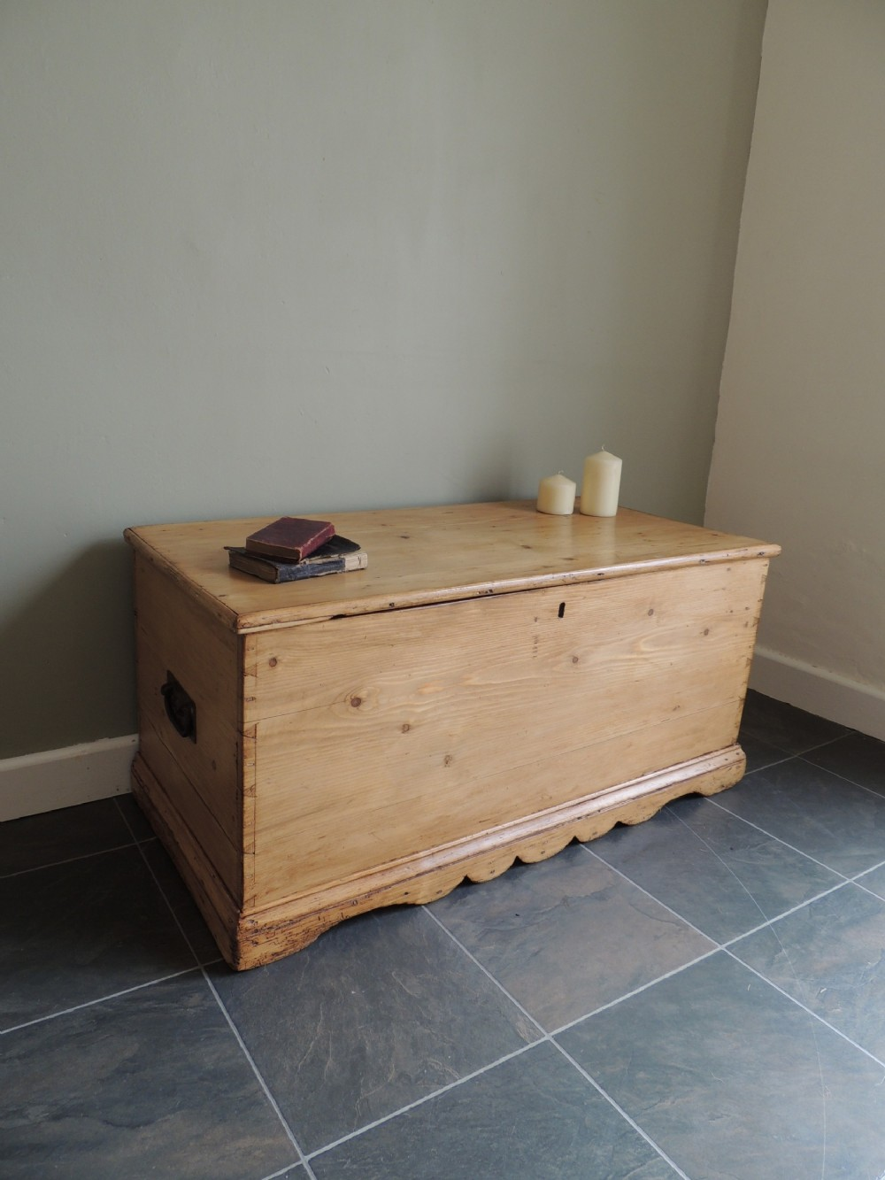 lovely solid pine victorian blanket chest
