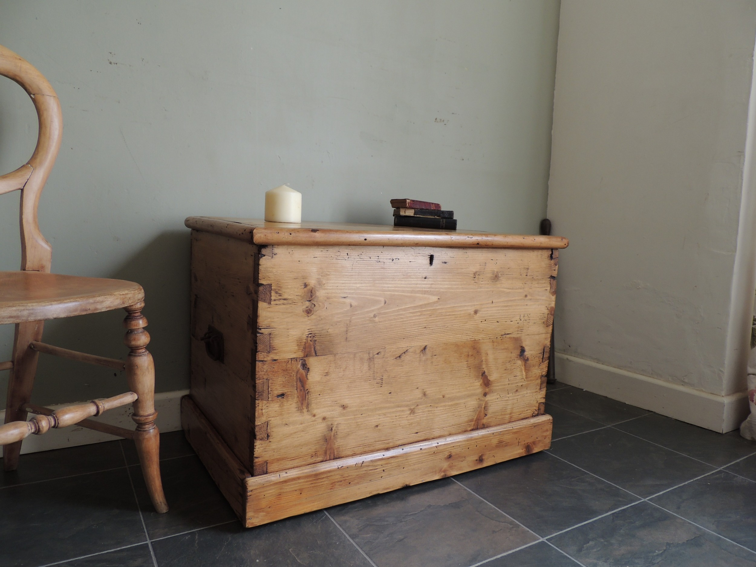 lovely rustic solid pine victorian blanket chest