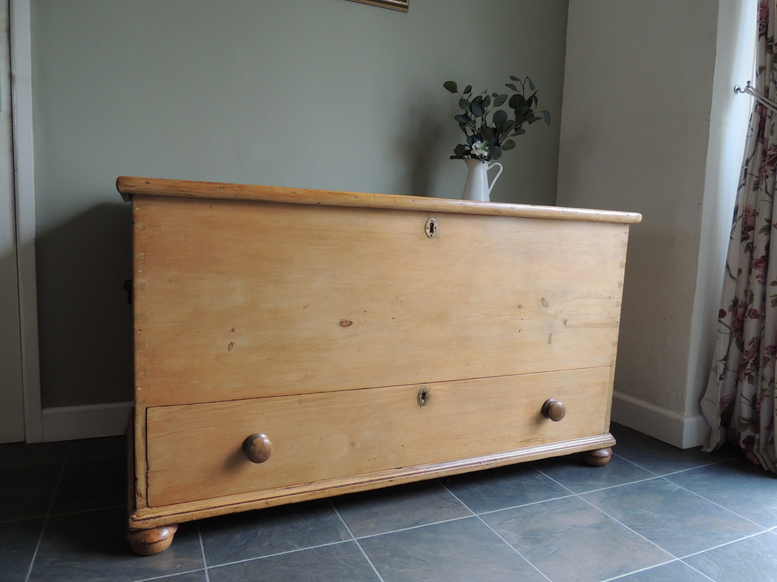 abulous extra large solid pine victorian mule chest blanket box