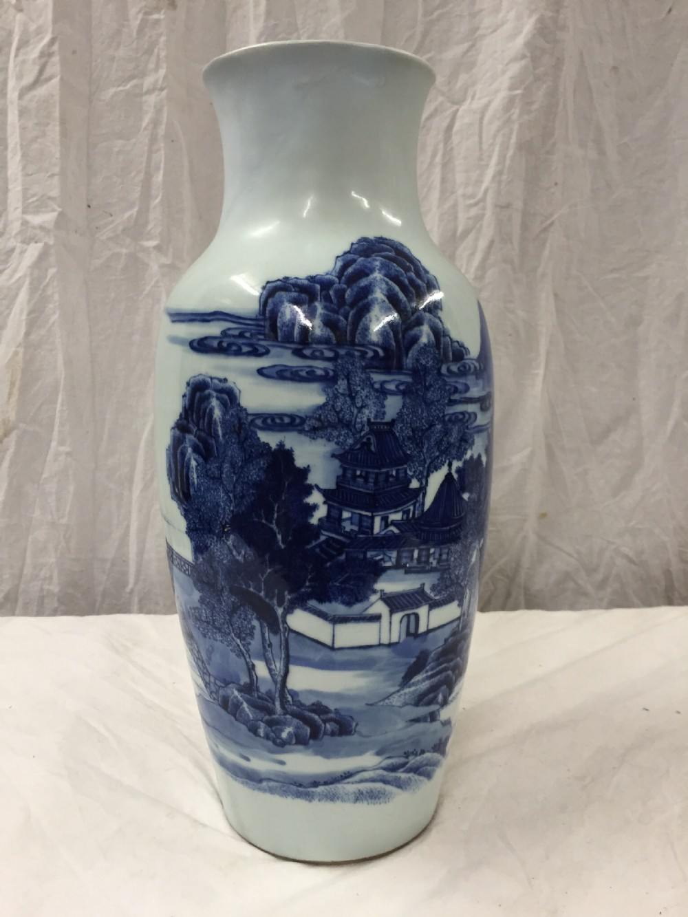 large c18th blue and white chinese vase