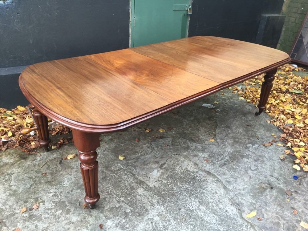 dining table mahogany rounded d ended and wind out