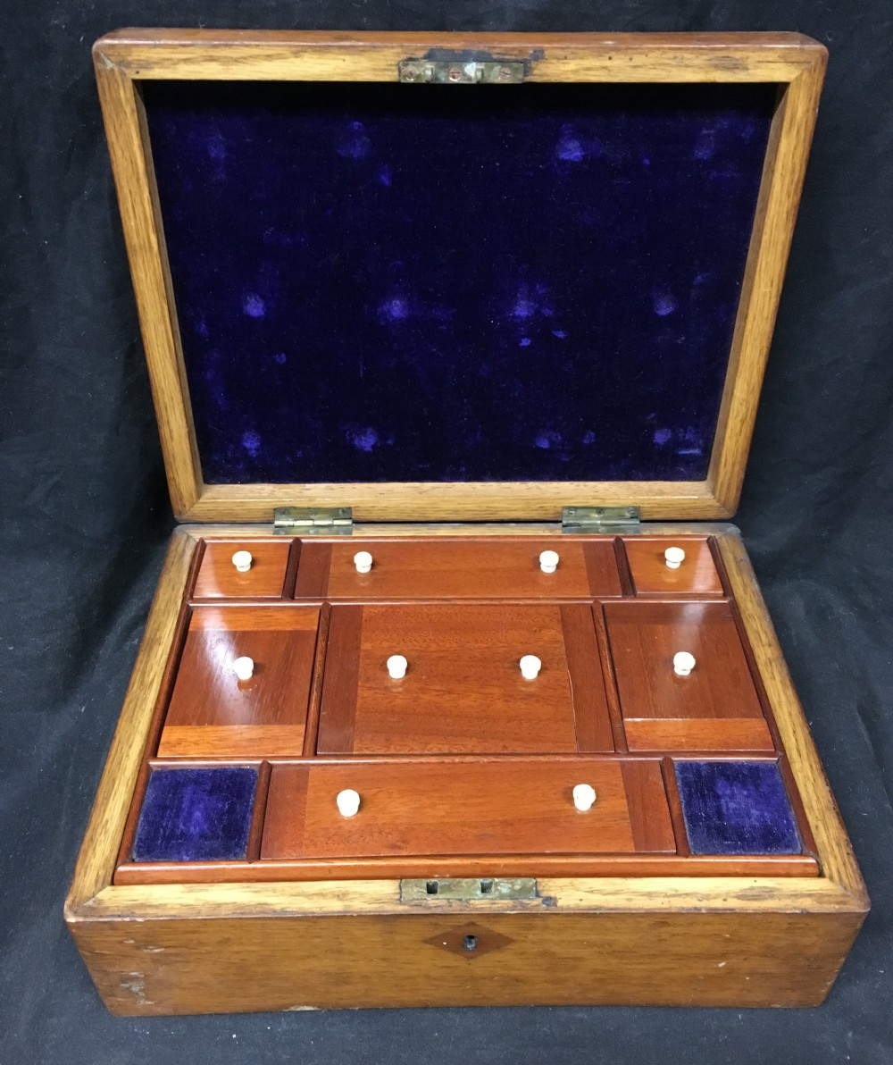 c19th well fitted oak and inlaid jewellery box