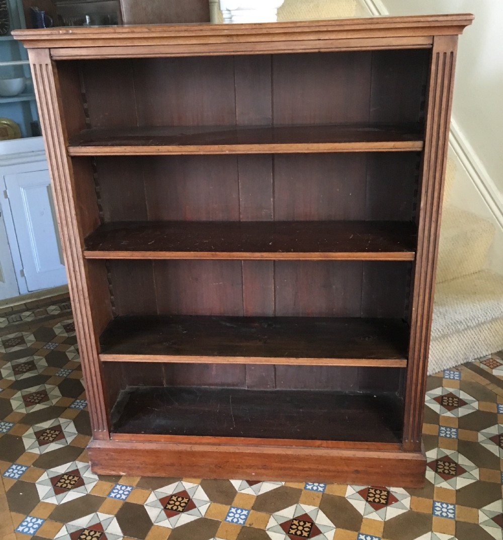 edwardian walnut bookcase with adjustable shelfs