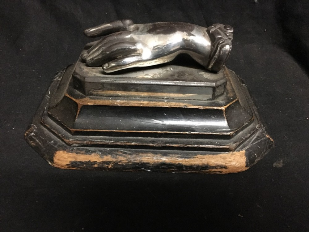 c19th bronze model of a ladies hand