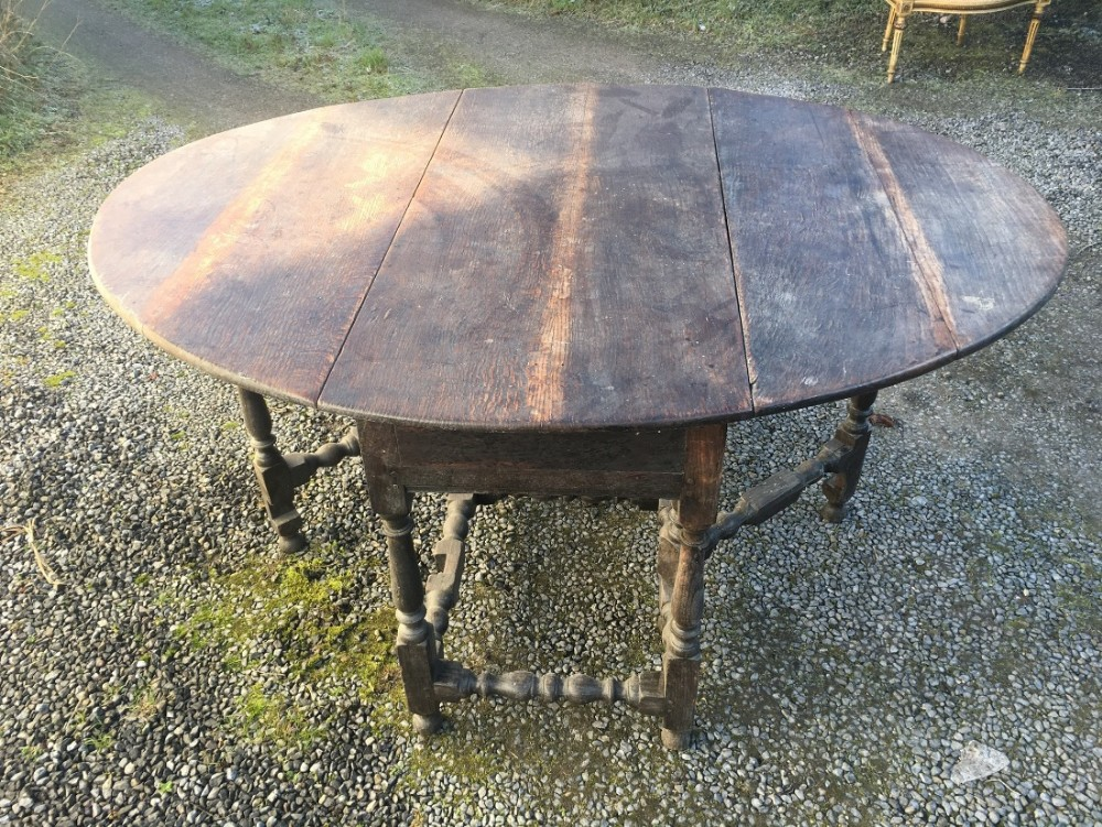 early c18th oak gate leg table
