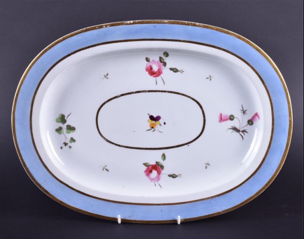 a large c18th chamberlain worcester meat plate of oval form