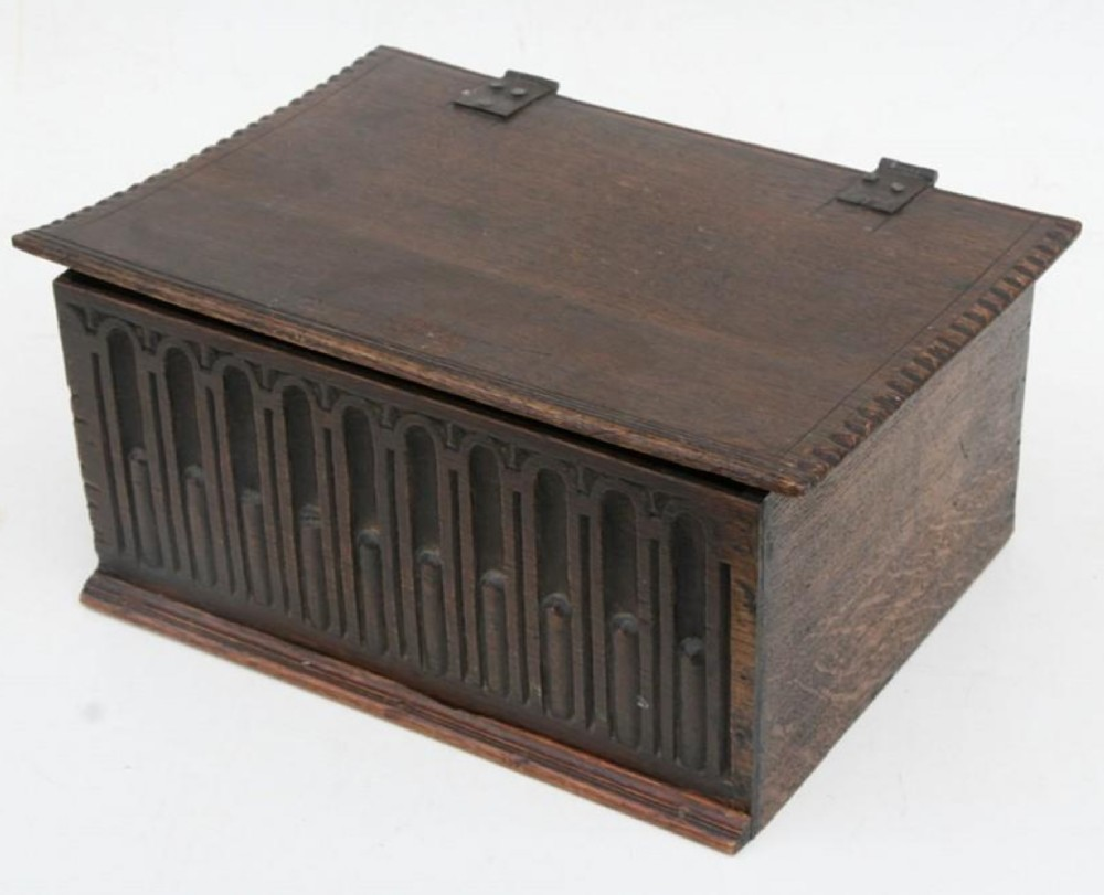 early c18th oak box with carved front
