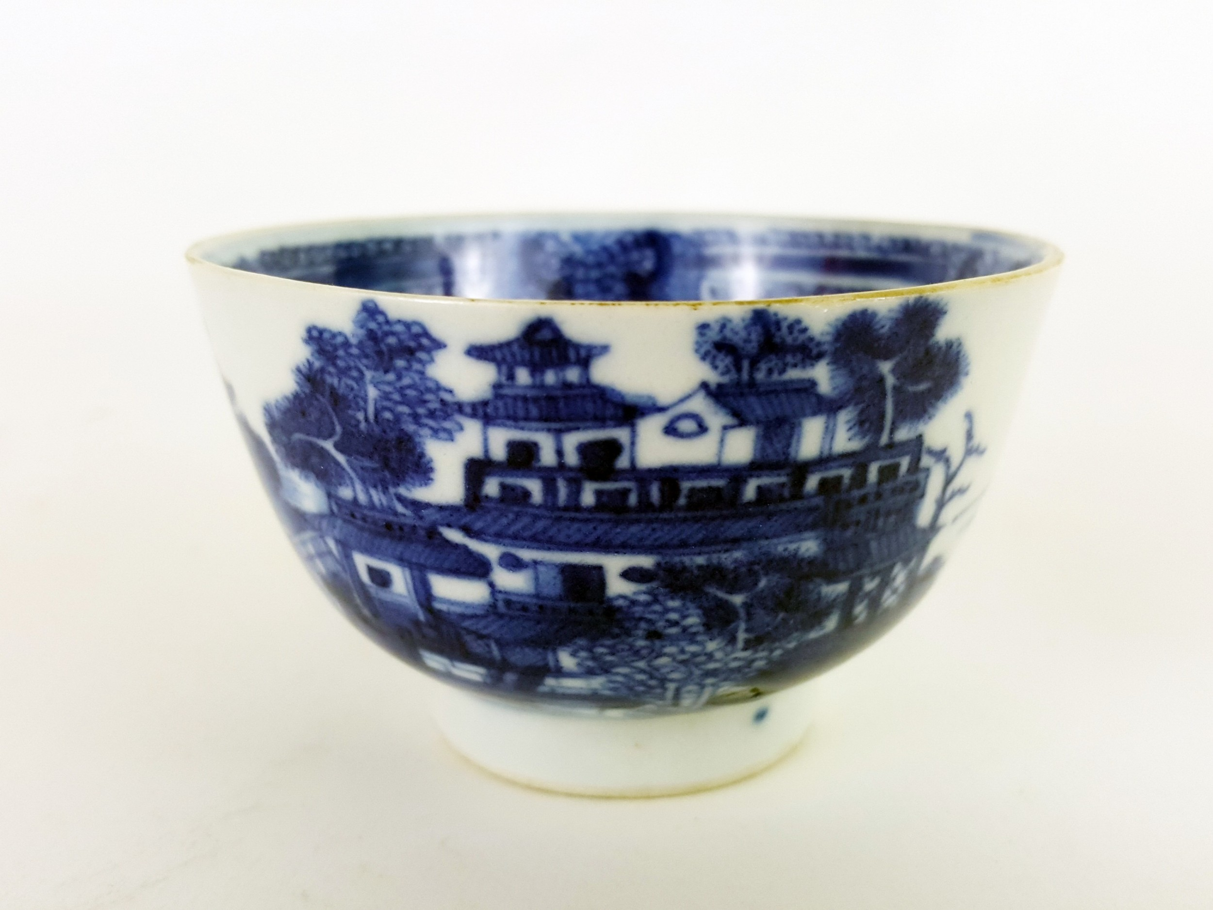 18th century chinese blue and white tea bowl