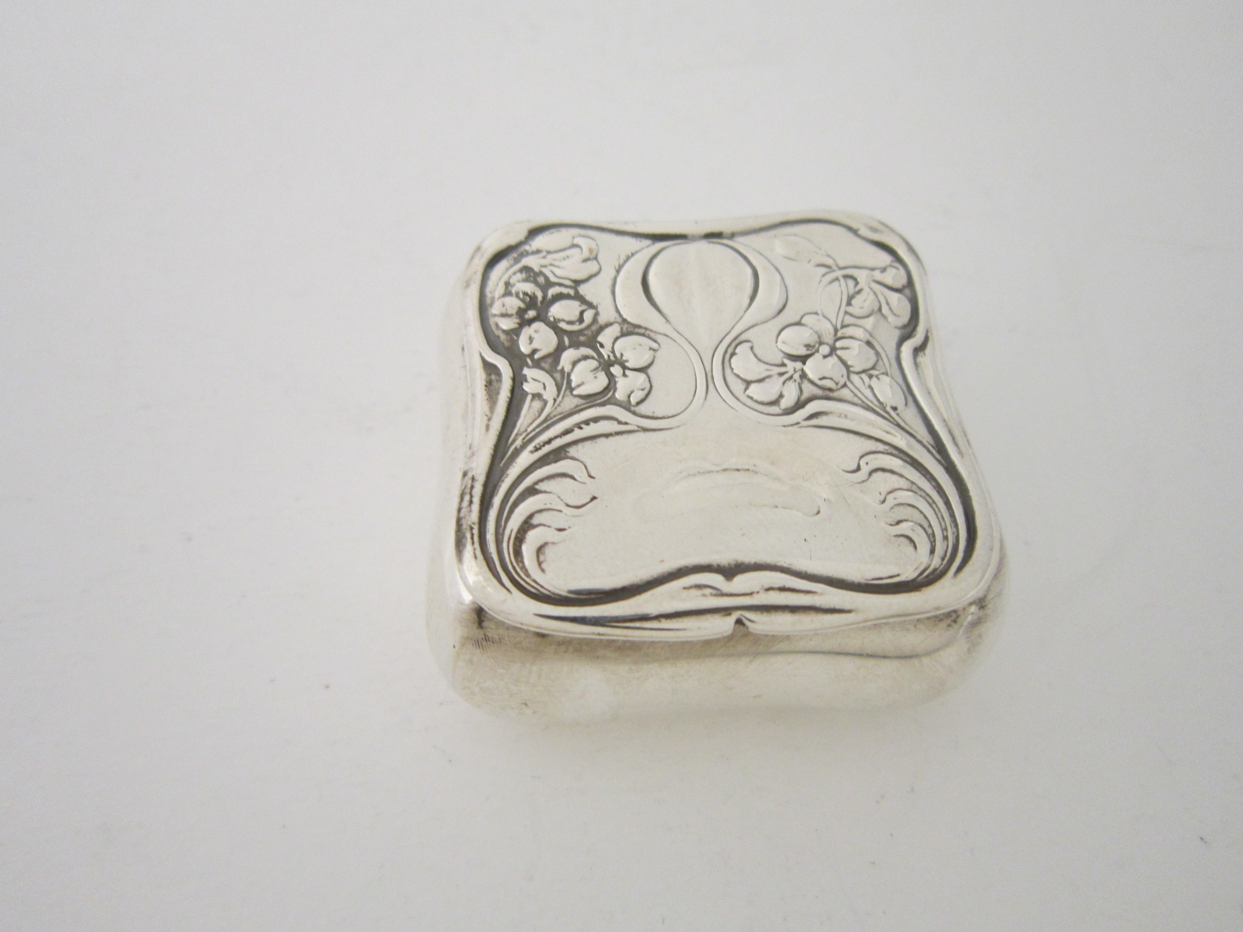 art nouveau sterling silver trinket box