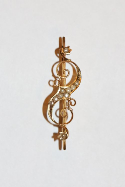 art nouveau gold wild pearl brooch