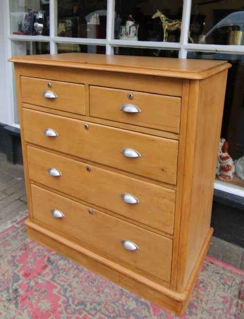 good late 19th century pine d ended 5 drawer chest of drawers
