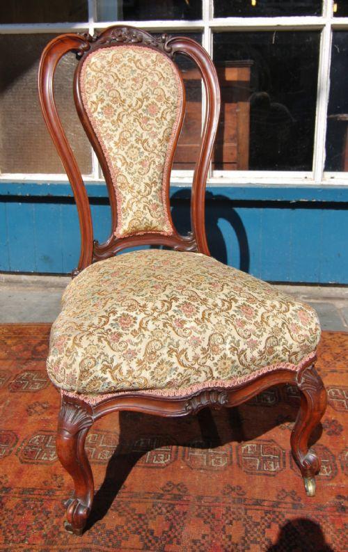 good quality 19th century walnut nursing chair