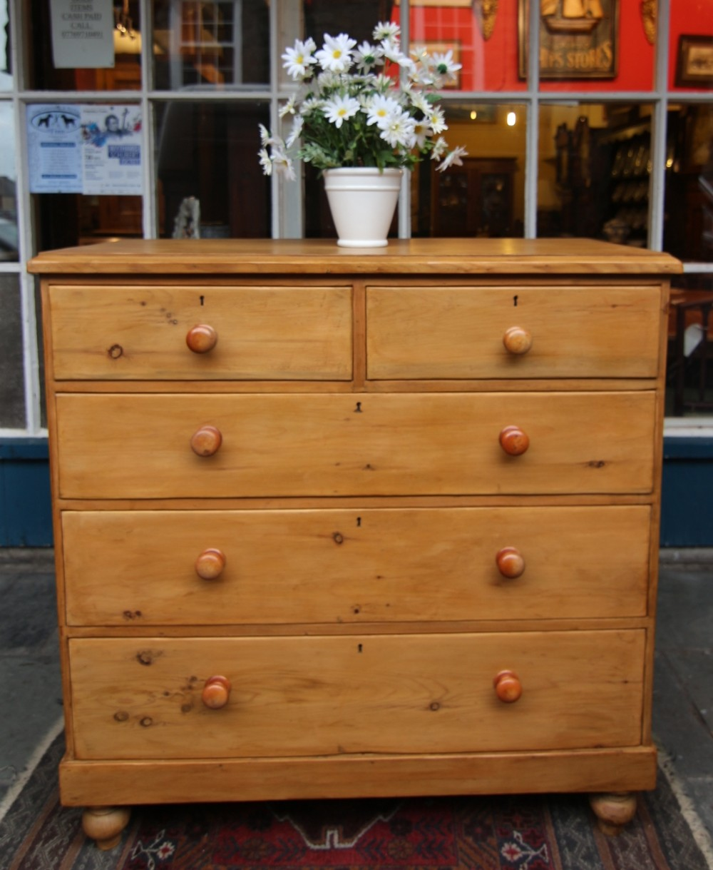 quality 19th century pine 5 drawer chest of drawers