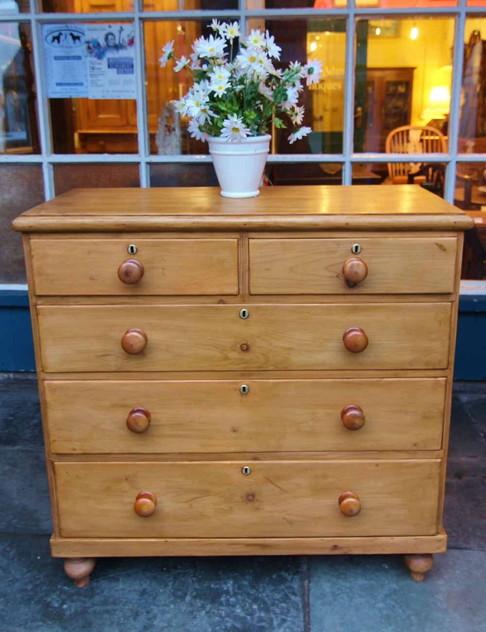 good quality clean 19th century pine 5 drawer chest of drawers with oval brass escutcheons