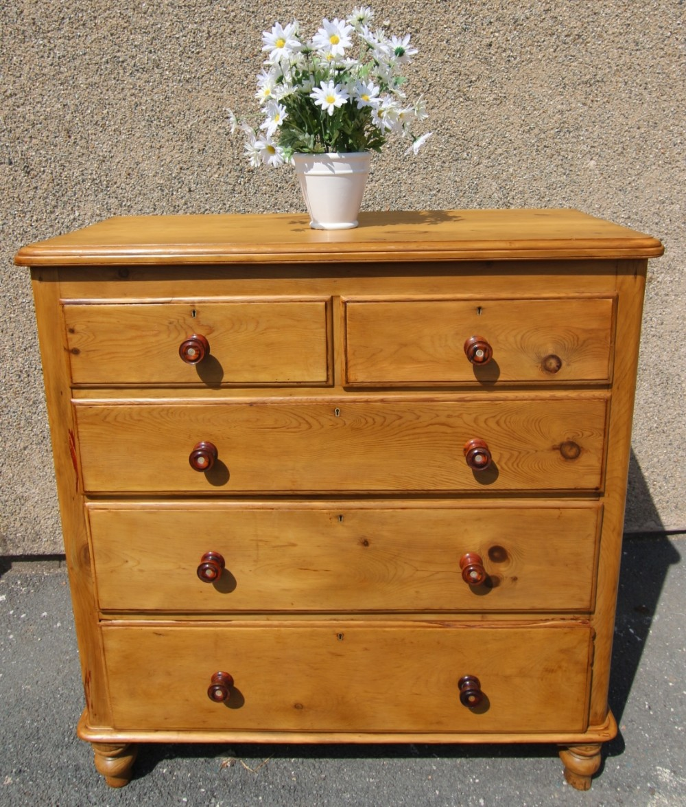superb quality 19th century large 5 drawer pine chest of drawers