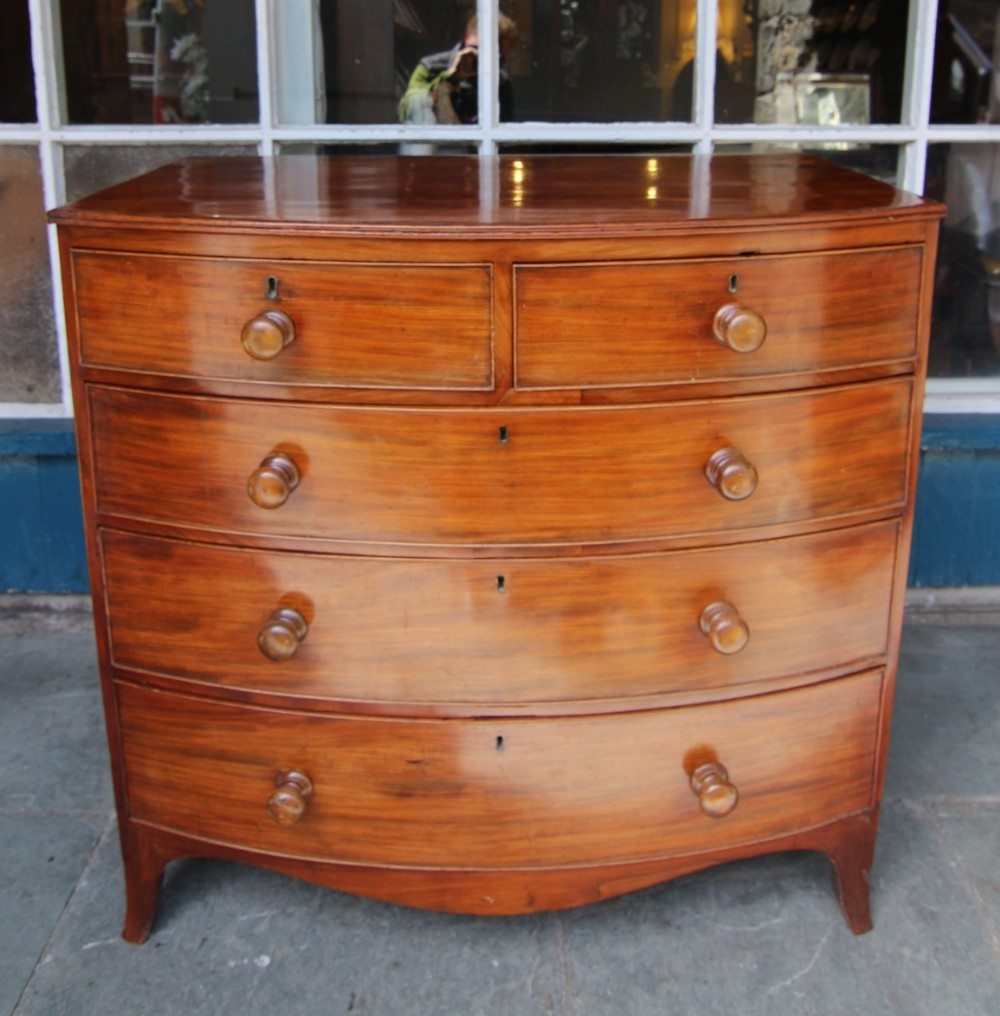 19th century bow fronted mahogany chest of 5 drawers