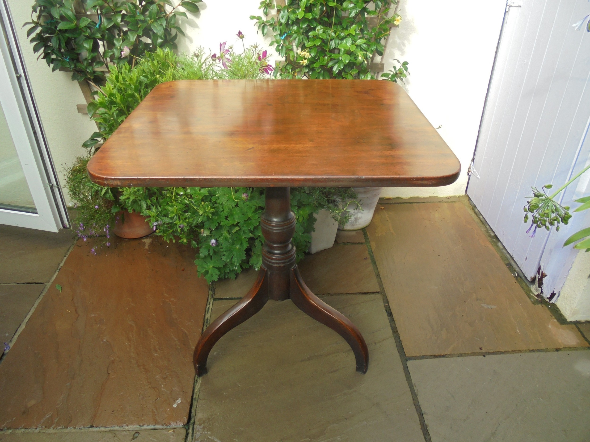 late 18th century mahogany tripod table tilt top